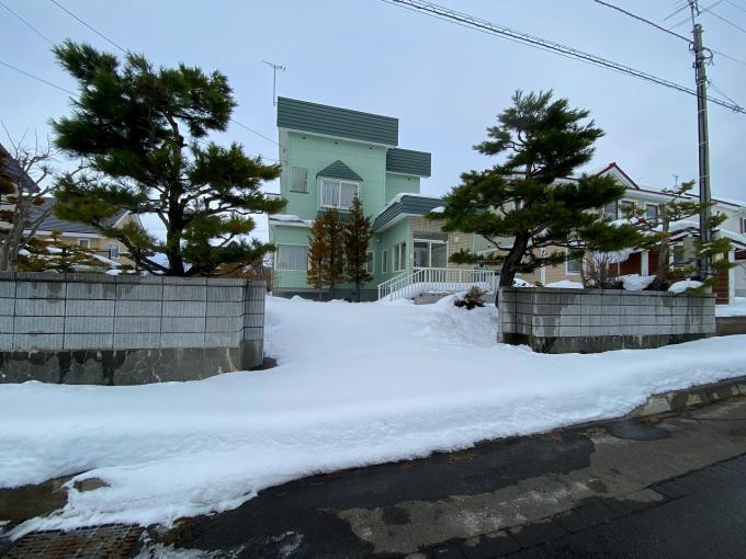 北海道岩見沢市東山7丁目13-12 の売買中古一戸建物件詳細はこちら