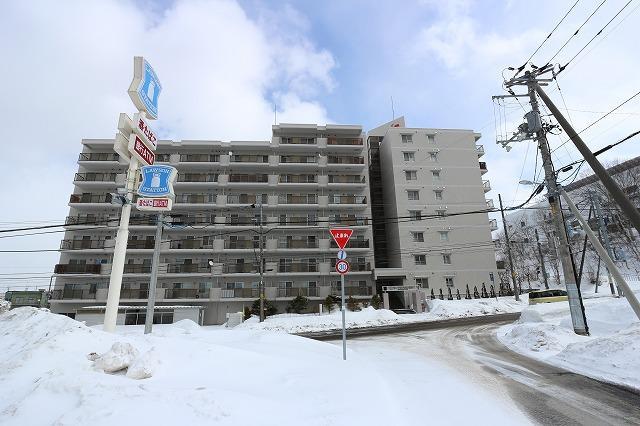 北海道札幌市清田区里塚二条3丁目1-27 の売買中古マンション物件詳細はこちら