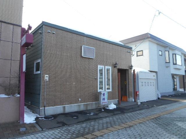 北海道空知郡南幌町中央3丁目1-20 の売買中古一戸建物件詳細はこちら