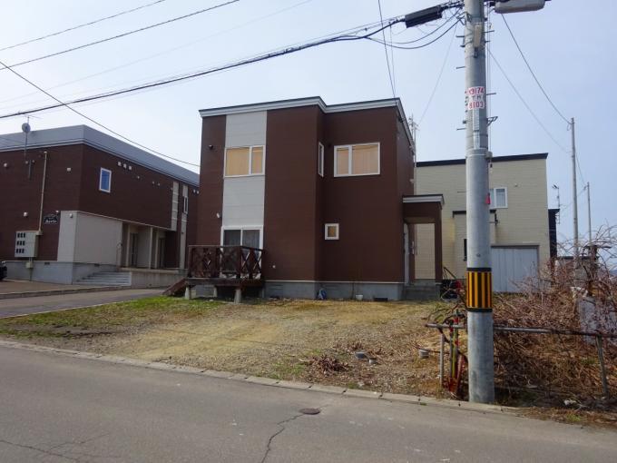 北海道小樽市桜3丁目18-1 の売買中古一戸建物件詳細はこちら