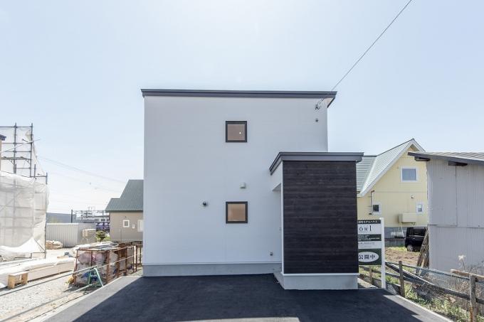 北海道恵庭市島松寿町1丁目6-16 の売買新築一戸建て物件詳細はこちら