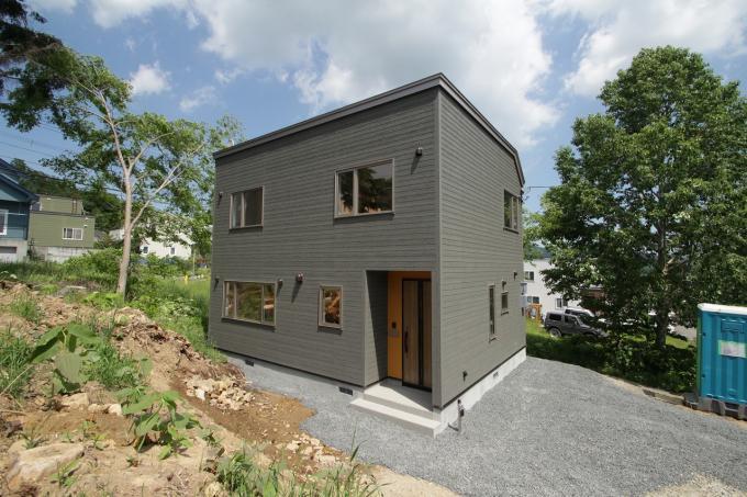 北海道札幌市南区藤野六条9丁目8-10 の売買新築一戸建て物件詳細はこちら