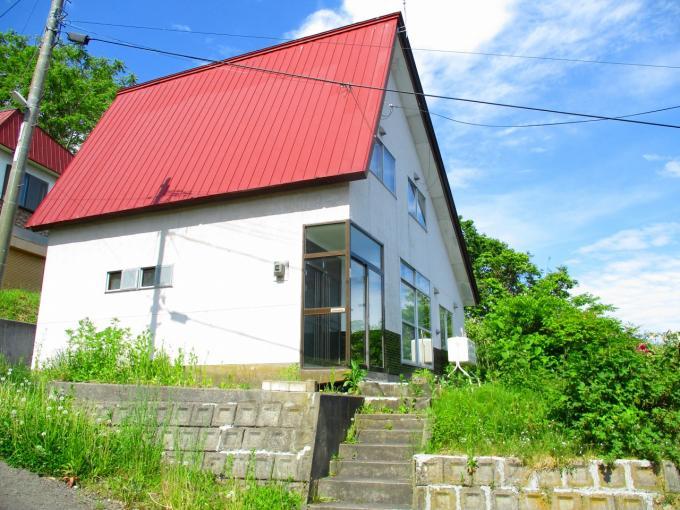 北海道小樽市真栄2丁目3-1 の売買中古一戸建物件詳細はこちら