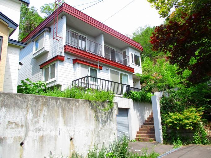 北海道小樽市緑4丁目4-1 の売買中古一戸建物件詳細はこちら