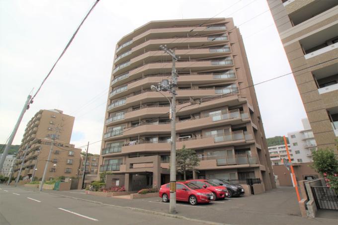 北海道札幌市中央区南十二条西23丁目1-17 の売買中古マンション物件詳細はこちら