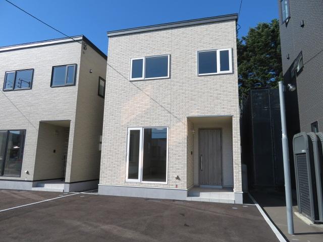 北海道札幌市中央区南二十六条西9丁目1-18 の売買新築一戸建て物件詳細はこちら