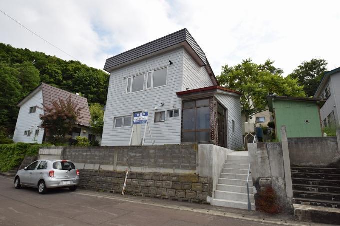 北海道小樽市赤岩1丁目27-12 の売買中古一戸建物件詳細はこちら