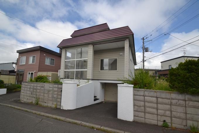 ◆里塚3条6丁目 角地、リフォーム再生住宅!地下車庫付き◆ 画像3