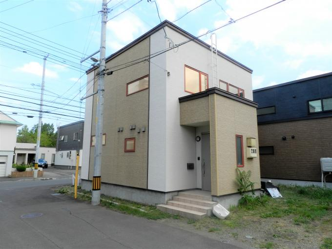北海道札幌市南区川沿七条4丁目2-1 の売買中古一戸建物件詳細はこちら
