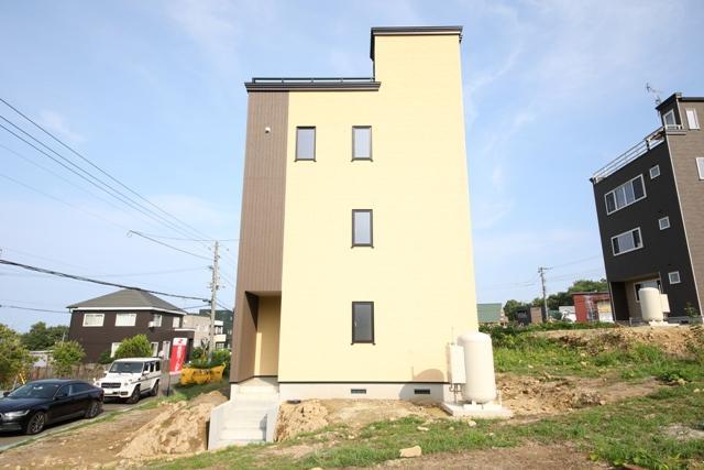 小樽市 張碓町 3階建 3LDK 画像2