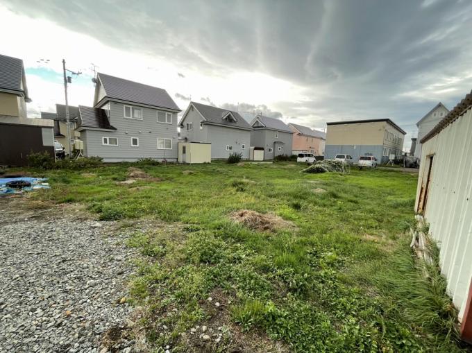 ◆東苗穂13条2丁目 売土地 717.48㎡(約217坪)の建築条件無しの土地です!◆   画像3