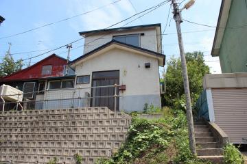 北海道小樽市赤岩1丁目2-18 の売買中古一戸建物件詳細はこちら